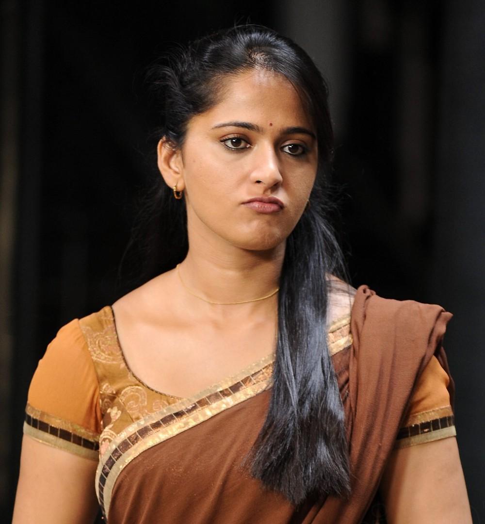Cinemahub: Anushka Shetty Latest Photos