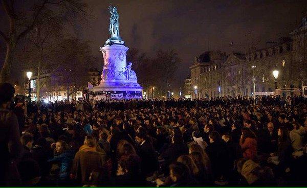 Manifestantes vuelven a ocupar la Plaza de la República de París