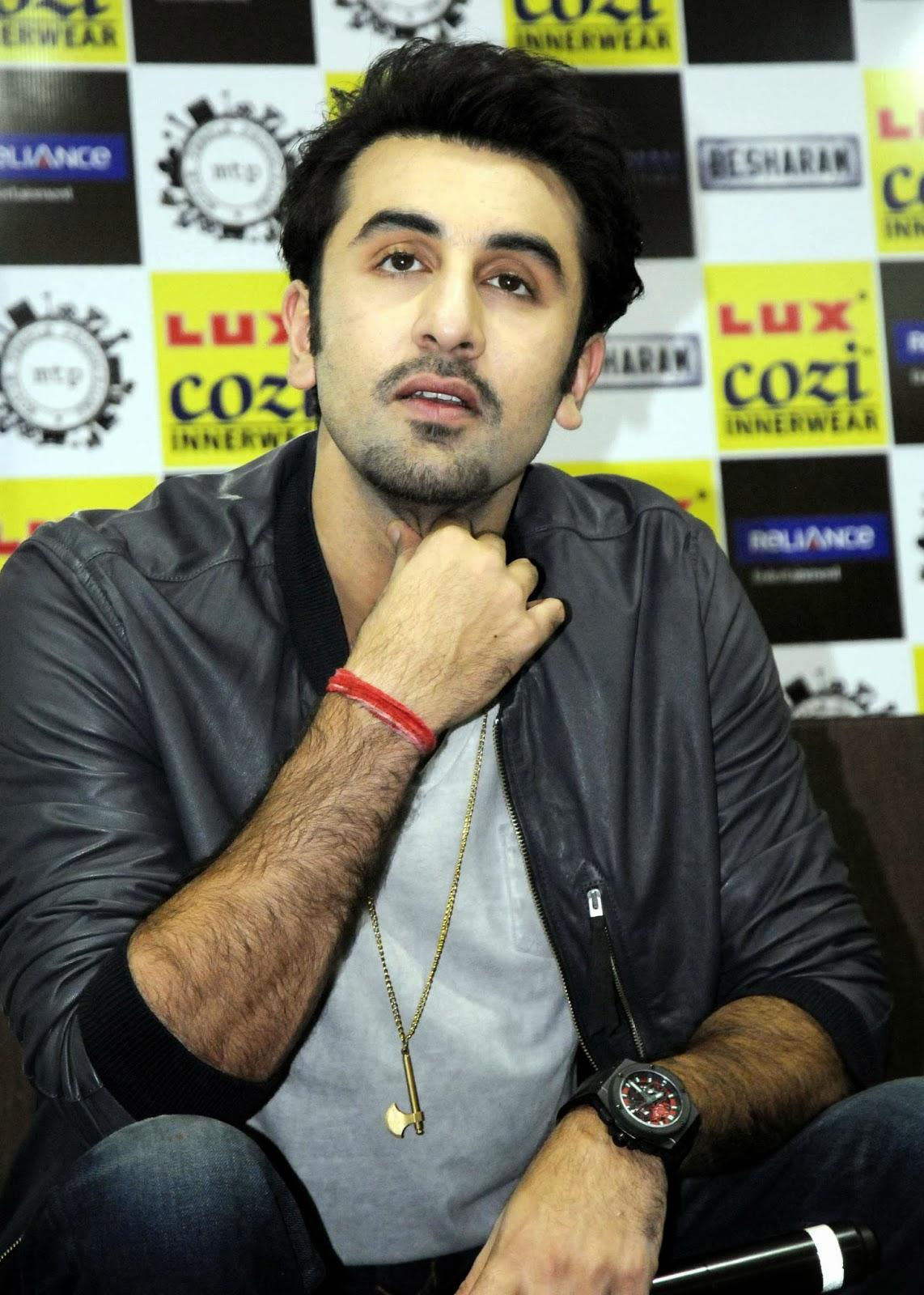 Movies Blog: Ranbir Kapoor Images Photos | Besharam Trailer