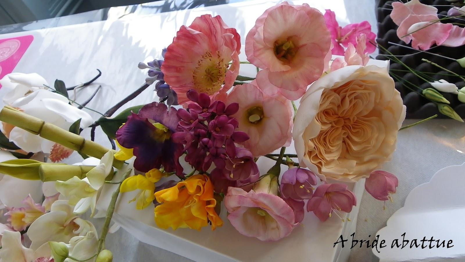 Ces fleurs de Mila Iquise sont si belles ... impossible de les croire en  sucre. Et pourtant si. 8e87d9925fd