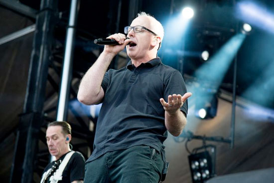 <center>Skatepunkers.TV Exclusive: Bad Religion performs 'Recipe For Hate'</center>