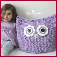 Cojín pouf búho a crochet