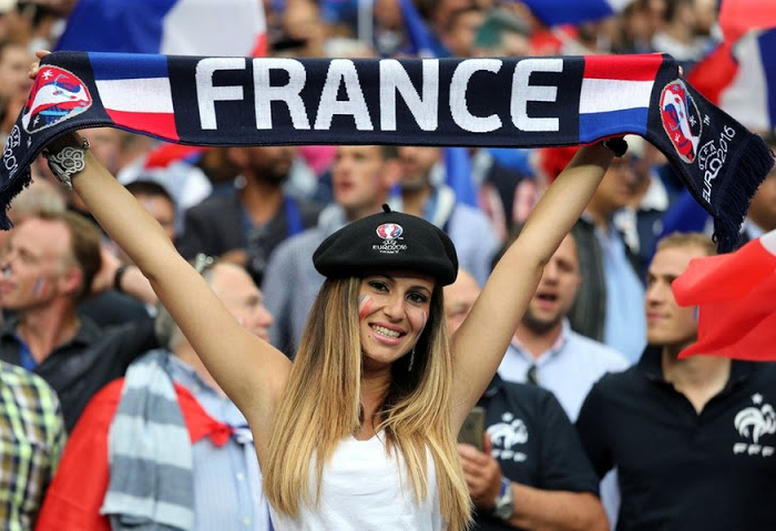 France Female Fans-2 Euro 2016