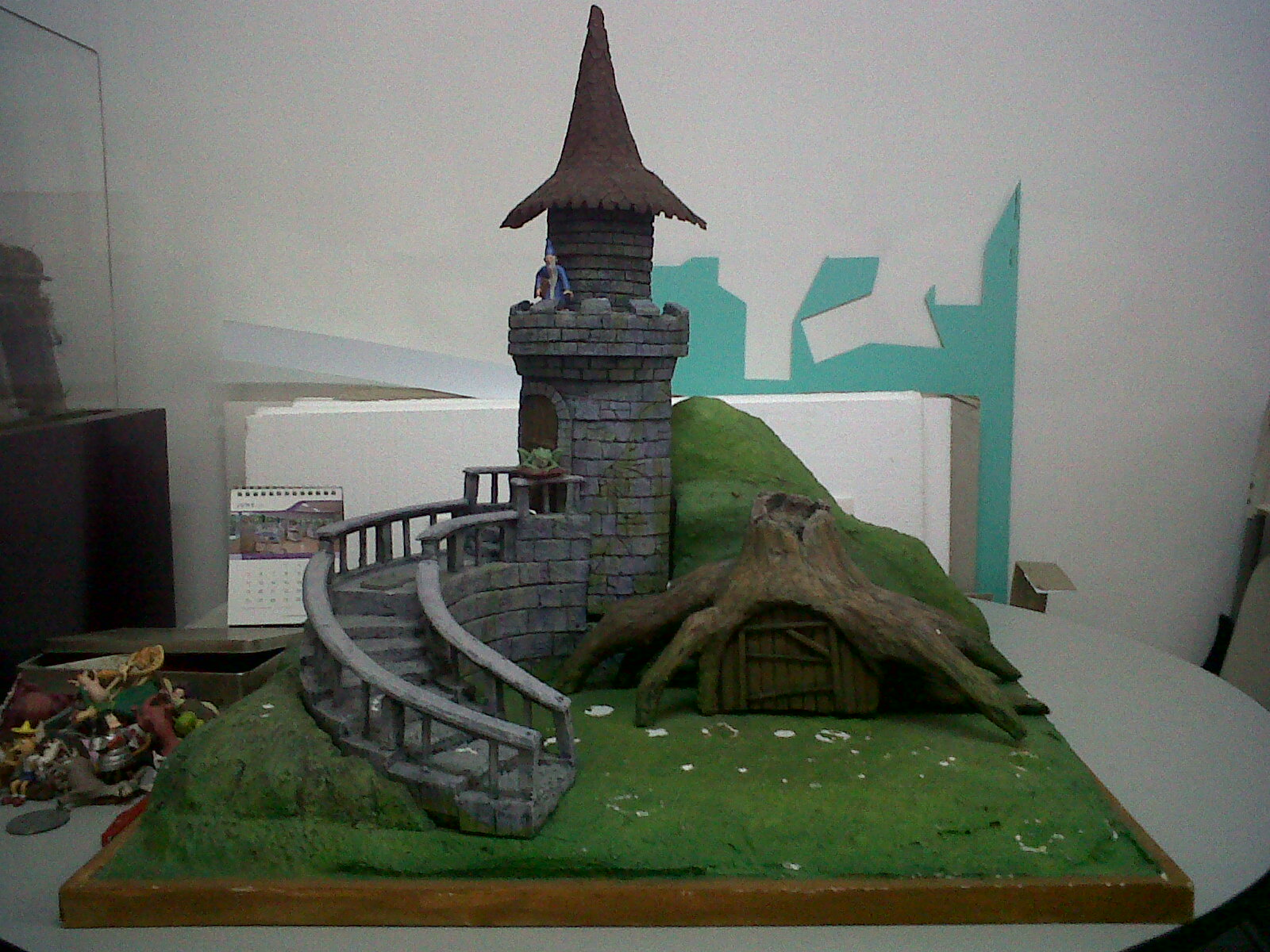 Make Your Own Diorama: DIOKING: SHREK Make Over Diorama Project Part II