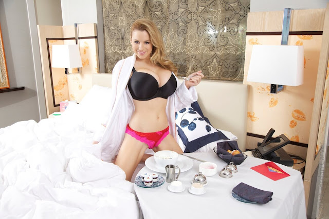 Jordan-Carver-Breakfast-Photo-Shoot-HD-Image-5