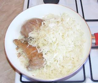 Preparare mancare de varza cu carne de rata reteta,