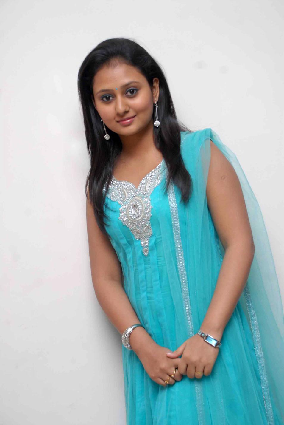 Kannada Actress Amulya Hot Hd Photo Gallery - Cap-6096