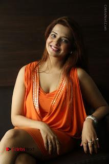 Actress Saloni Aswani Pos in Short Dress at Meelo Evaru Koteeswarudu Movie Interview  0206.JPG