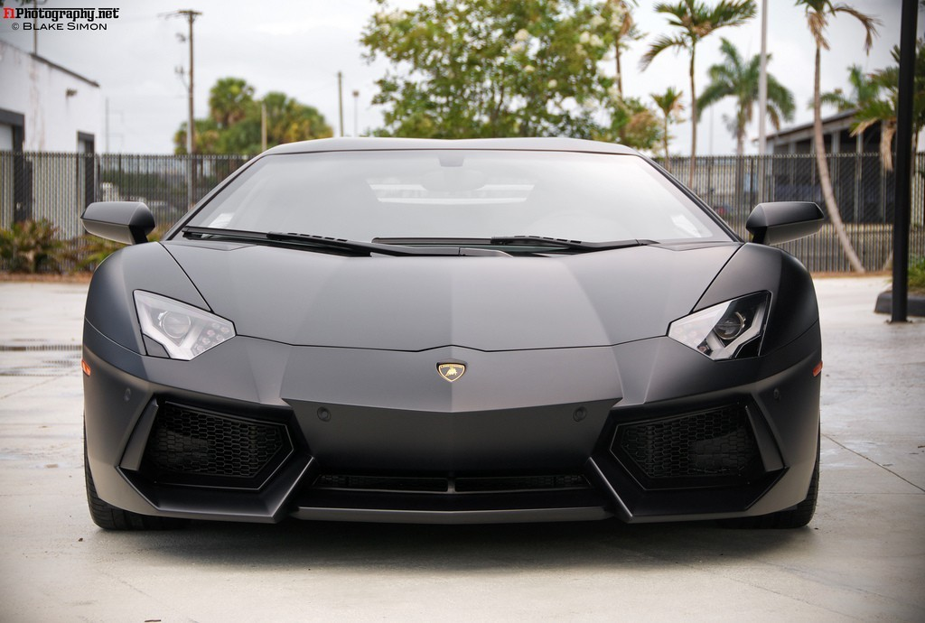 top cool cars: Lamborghini Aventador in Matte Black