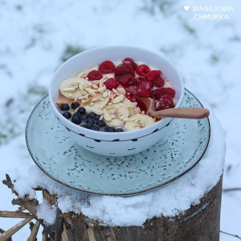 Zimowa jaglanka z owocami