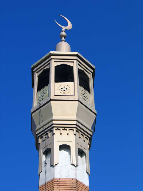 هل تعلم لماذا يوضع الهلال فوق مأذنة المساجد ؟! لا يفوتك ايها المسلم