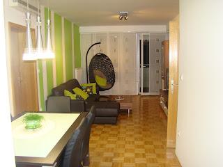 Stanovanje v Mariboru - dnevna soba z jedilnico.
