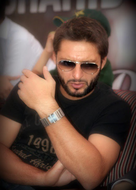 Shahid afridi and Wallpapers