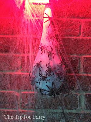 Creepy Spider Egg Sacs   The TipToe Fairy #halloweendecorations #halloweendecor #halloween #halloweendiy #halloweentutorial