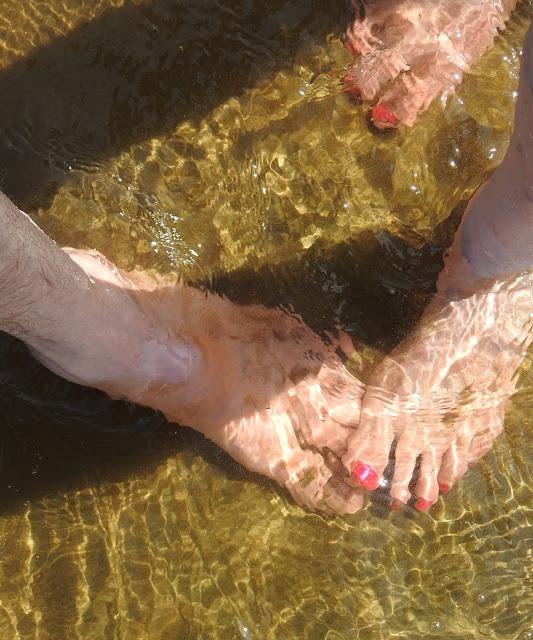meri, hiekka, kesä, varpaat, ranta, Ari ja Irja