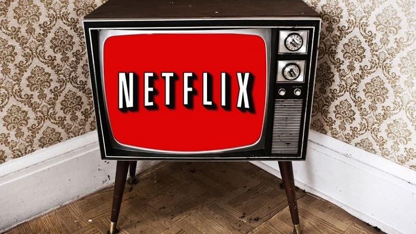 Крис Коламбус спродюсирует фильм сына Альфонсо Куарона про чупакабру для Netflix