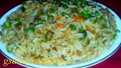 वेज फ्राइड राइस बनाने की विधि - vegetable fried rice recipe - how to make veg fried rice - veg fried rice recipe in hindi