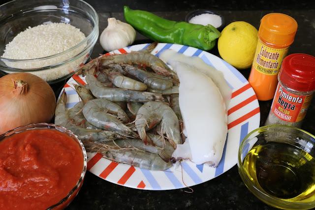 Ingredientes para arroz con sepia y langostinos