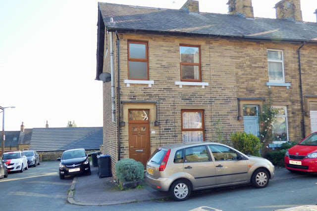 This Is Bradford Property - 3 bed terraced house for sale Clifton Place, Shipley BD18