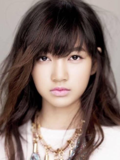 Potret Lisa saat mulai bergabung dengan YG Entertaiment
