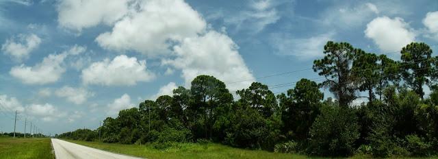 Glades Cut Off Road hacia el norte