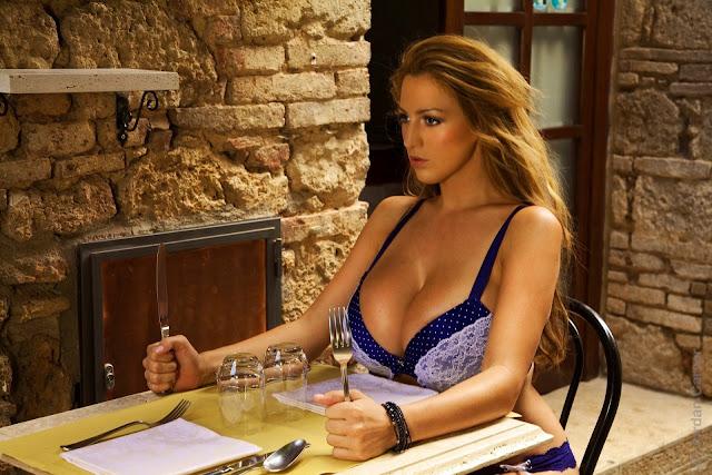 Jordan-Carver-Villaggio-hot-sexy-hd-photoshoot-image_1