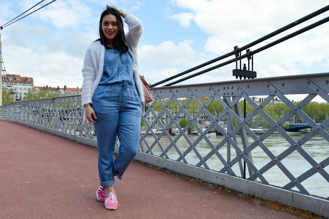 photo en pied sur pont