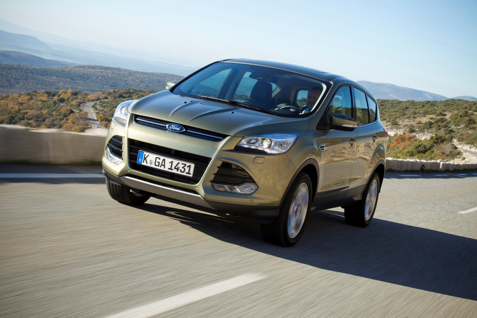 all new ford kuga offers class leading tech fuel efficiency and safety tech spec released. Black Bedroom Furniture Sets. Home Design Ideas