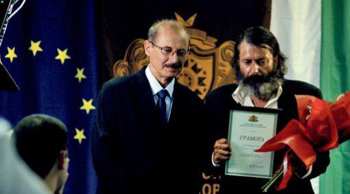 Ivan Savov (le ministre Kanchev) et Tzanko Petrov (Stefan Denolyubov) dans Glory