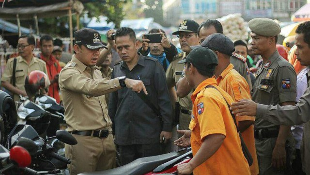 Viral Video Wali Kota Bogor Tendang Motor yang Parkir Sembarangan
