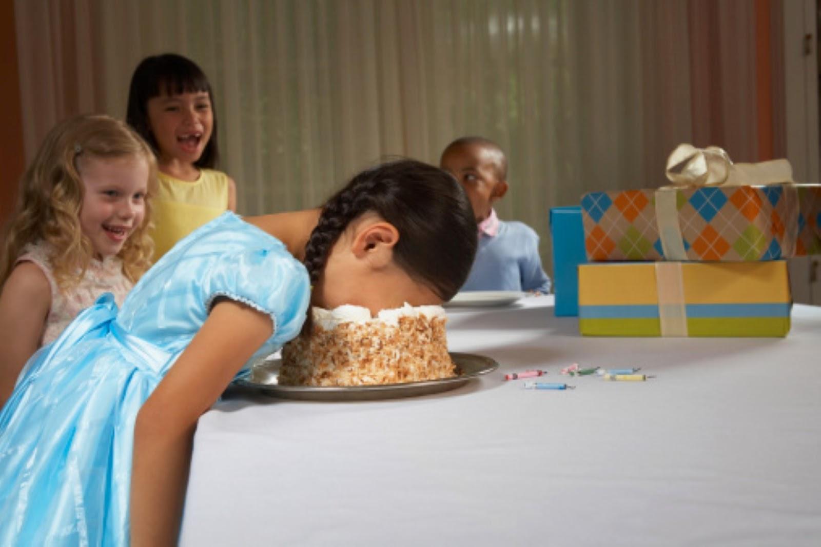 Трахнули в день рождение, На день рождения русскую девушку задорно выебли во 13 фотография