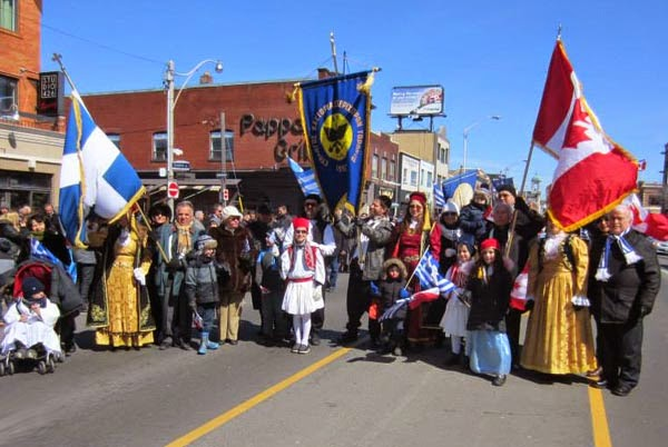 Η παρέλαση του Συλλόγου Καστοριάς και περιχώρων στο Τορόντο (φωτογραφίες)