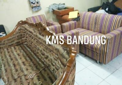 Kain sofa motif salur