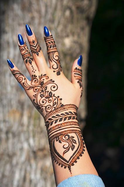 Top 70 Awesome Rangoli And Henna Mehndi Designs