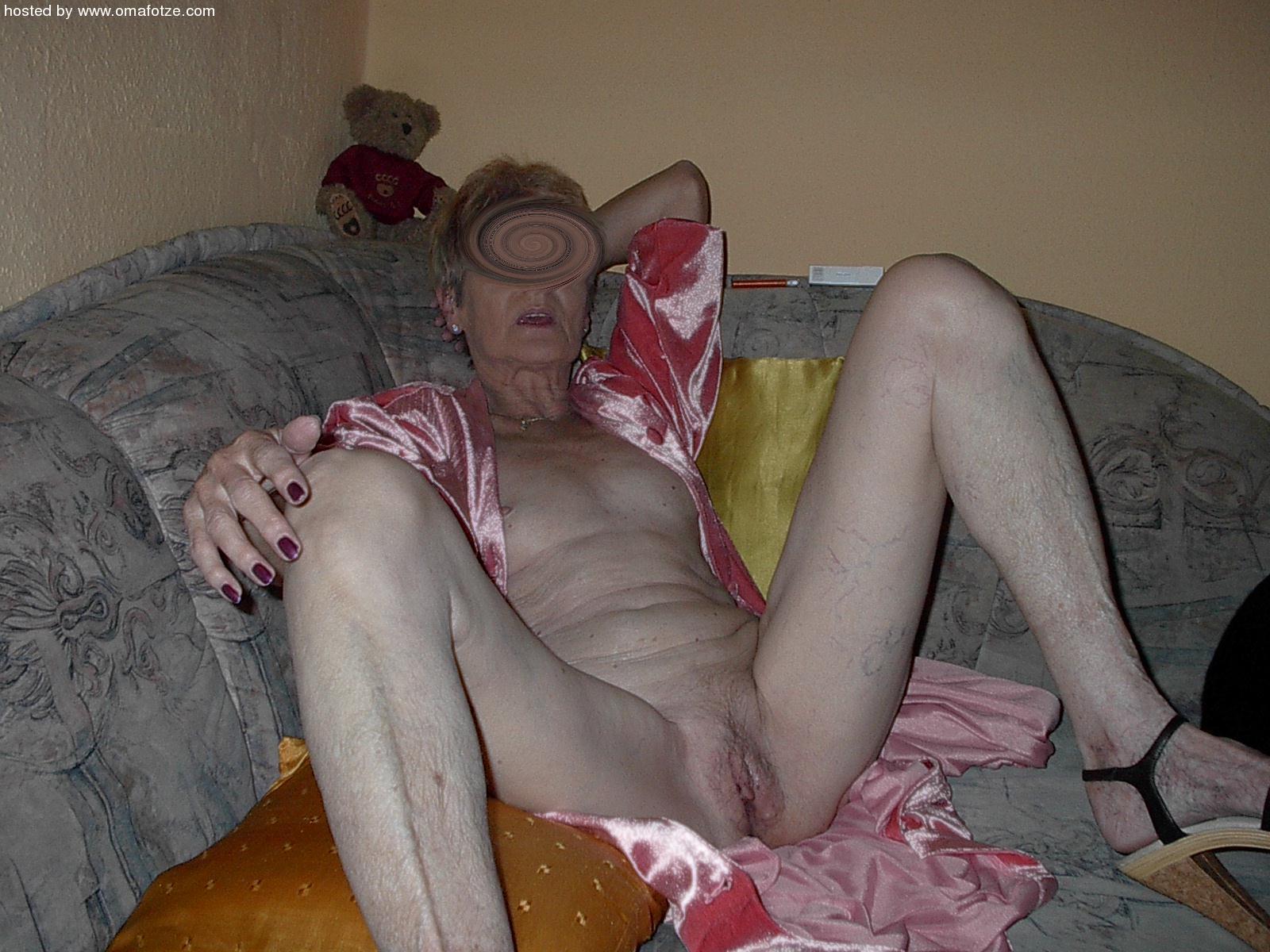 Older bbw lady en her black lover - 3 2