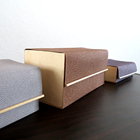 http://www.ohohblog.com/2014/10/diy-wooden-and-leather-box.html
