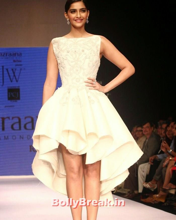Sonam Kapoor, Sonam Kapoor Hot Images in White Backless Gown at IIJW 2014