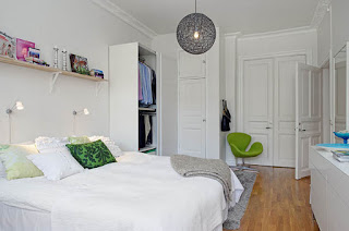kamar tidur berukuran kecil