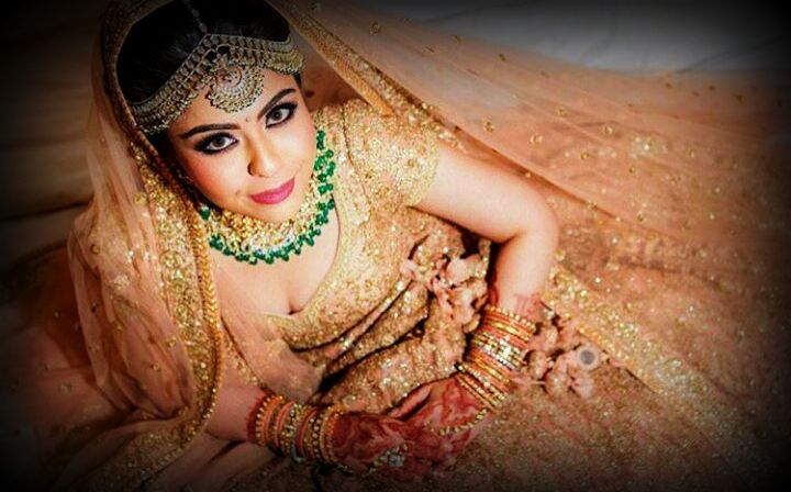Bride,Indian tradition,LEHENGA,Bridal lehenga,golden lehenga,bridal jewellery,designer lehenga