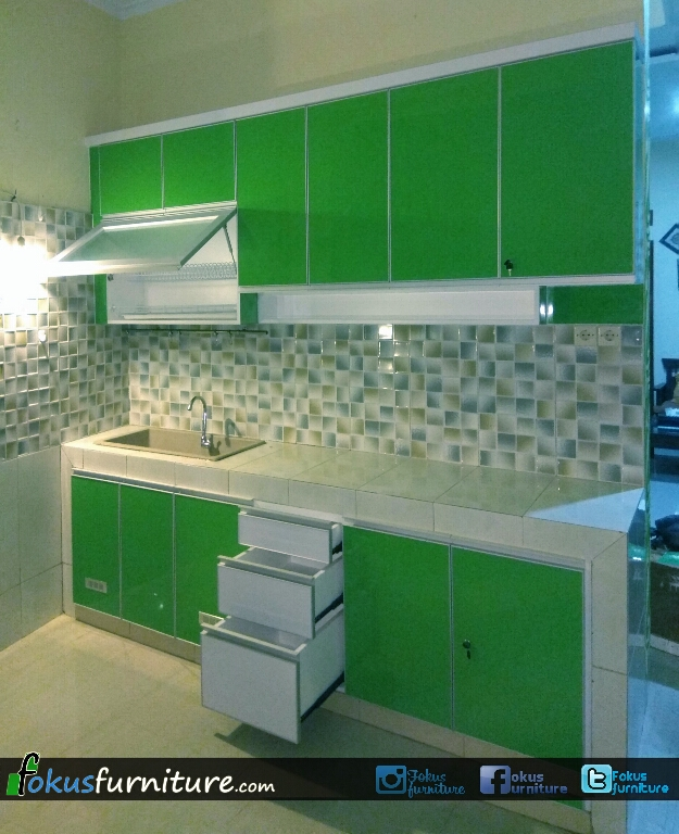 Furniture kitchen set minimalis lemari pakaian jakarta for Kitchen set hijau