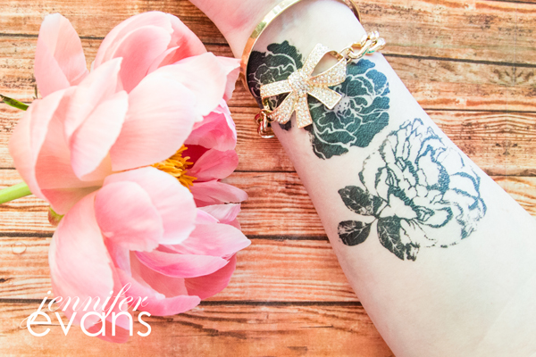 How to create easy temporary tattoos using @heidiswapp Art Screens by @createoften with a video