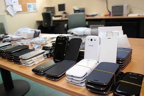 """درك """"باب مليلية"""" يحجز أزيد من 638 هاتفا ذكيا"""