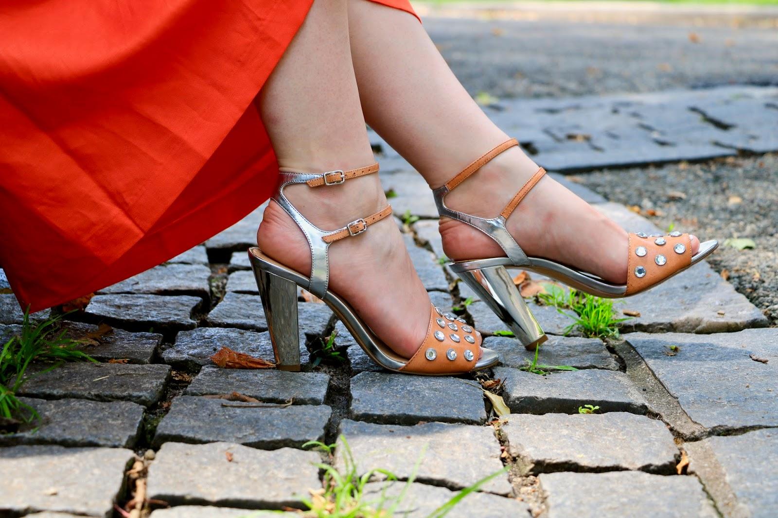 Fashion blogger Kathleen Harper of Kat's Fashion Fix wearing metallic embellished heels