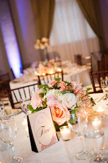 peach and cream wedding flowers, low centerpiece with peach garden roses
