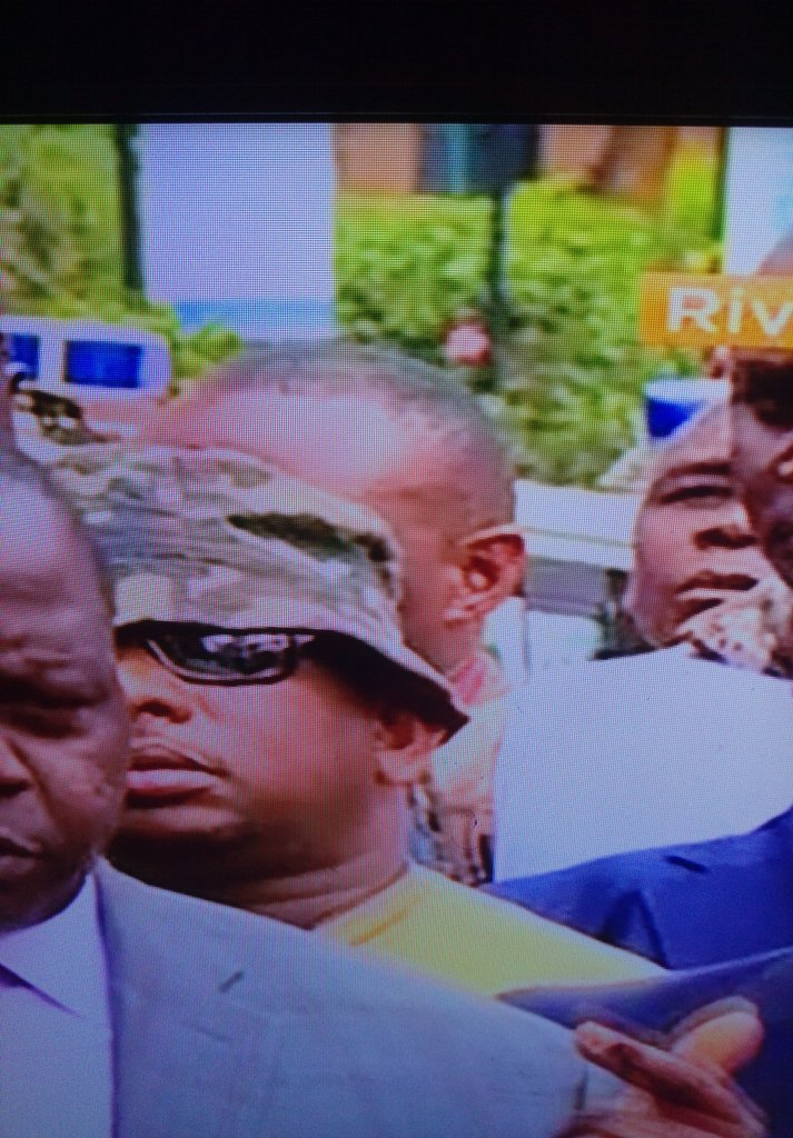 Mike Sonko Embarrasses Nairobi And Himself, Shows Up At Dusit Looking Like A Clown