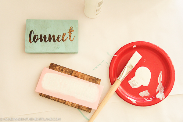 how to make a word sign magnet
