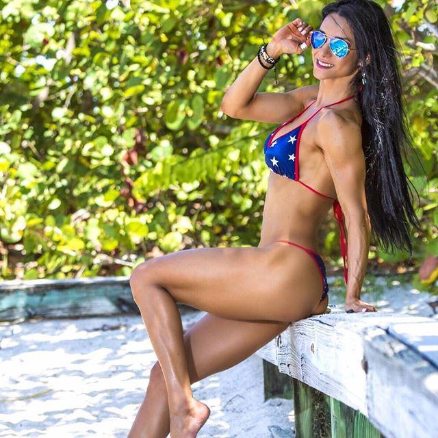Fitness girl Alzira Rodriguez