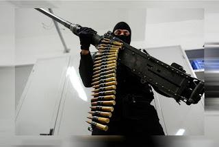 Bandidos que atacaram carro-forte na Paraíba usaram metralhadora .50, capaz de derrubar avião