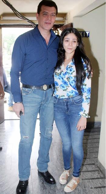 aditya pancholi with daughter