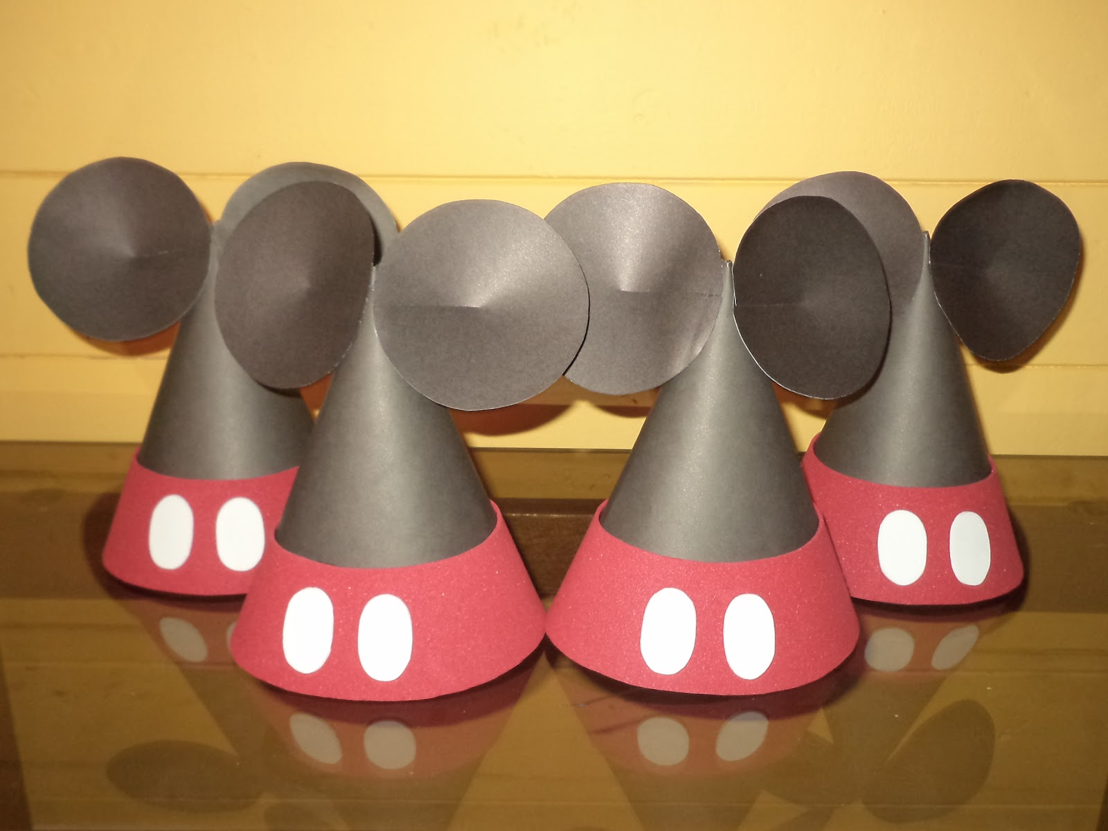 IMAGINA   DISEÑO  Gorros Cumpleaños Minnie   Mickey 74087ab0919
